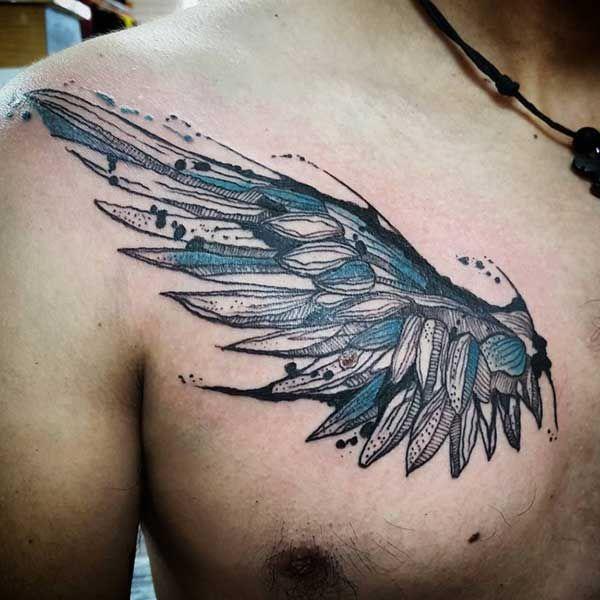 erkek göğüs kanat dövmesi