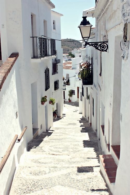 Streets of Frigiliana, Málaga | Spain (by Nacho Coca)