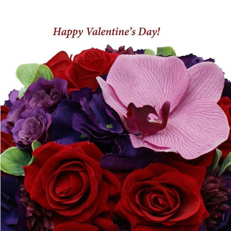 E ziua indragistitor | Happy Valentine's Day! #aranjament #flori #artificiale #floriartificiale #plante #uscate #planteuscate #floriuscate #decoratiuni #naturale #cadou #unicat #valentinesday #dragobete #ziuaindragostitilor #inima #inimioara #infrumusetare #casa #birou #flowerstagram www.beatrixart.ro