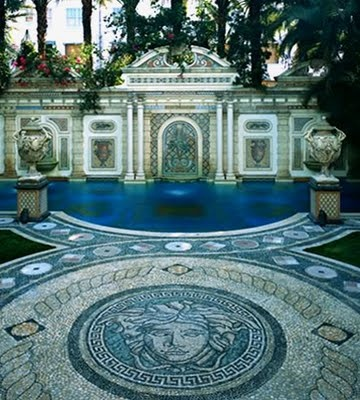 Sweeter homes casa casuarina gianni versace 39 s miami for Versace pool design
