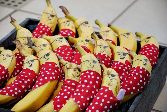 Diese Seemanskost macht unseren Piraten auf dem nächsten Kindergeburtstag bestimmt richtig große Freude.  Weitere passende Ideen für Essen, Deko, Einladungen, Spiele und Give-aways für Deine Kindergeburtstagsparty findest Du auf blog.balloonas.com #kindergeburtstag #balloonas #piraten #essen #food