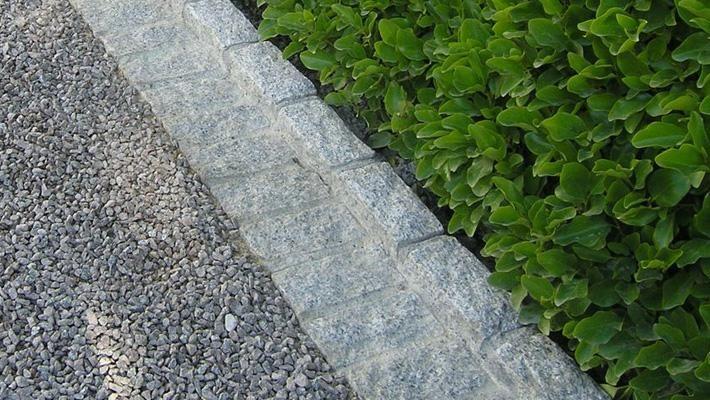 Driveway Design | Owen Chubb Garden Landscapers, pea gravel driveway, Belgium block border, cobble border