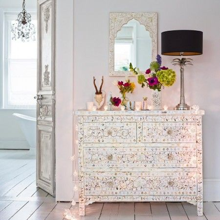 Classic Mother of Pearl Inlay Chest of Drawers in White