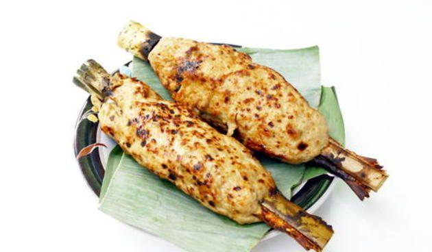 JIka kamu berkunjung ke daerah Banten, mungkin Sate Bandeng merupakan kuliner yang paling kamu cari :)
