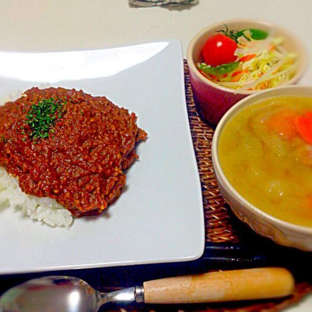 朝ごはん。 - 12件のもぐもぐ - トマトドライカレー 野菜ときのこのブイヨンスープ サラダ by nyaromechan