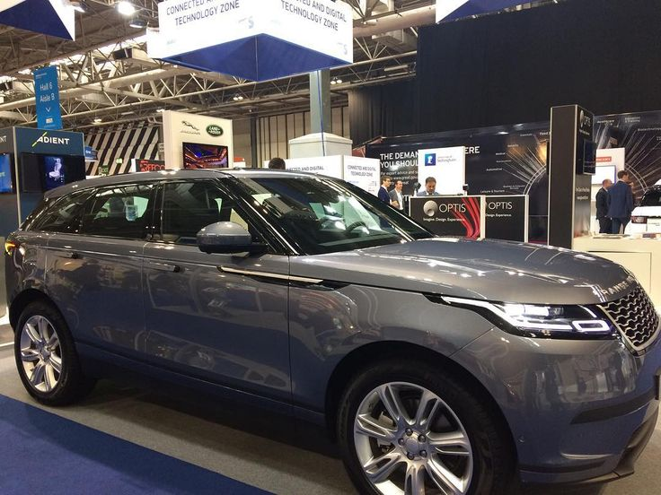 28 вподобань, 3 коментарів – Jaguar Land Rover (@jlr_news) в Instagram: «The fourth member of the Range Rover family has arrived at @automechanika_official as part of the…»