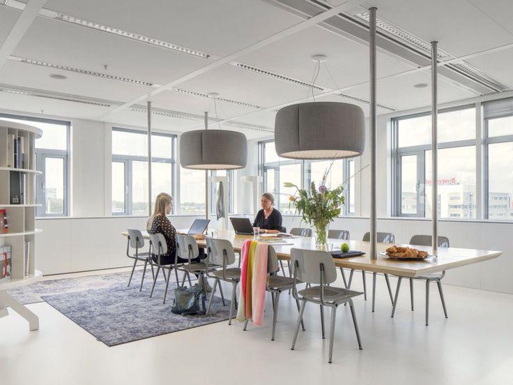 Interieurontwerper Kraaijvanger voor Ahrend foto: Stijn Spoelstra