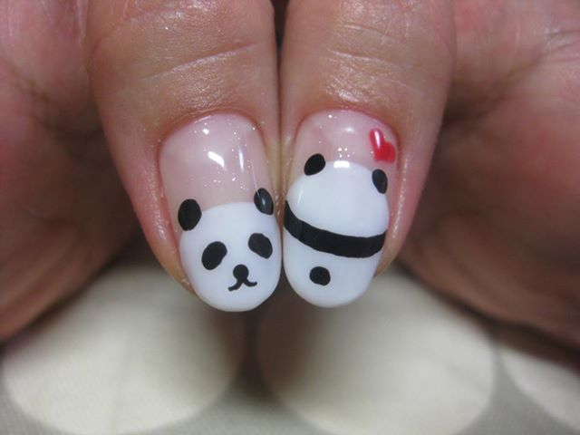 Panda nails! @mckennacondrey Do you see the heart coming out of it head on - 46 Best Panda Nails Images On Pinterest Panda Nail Art, Pandas
