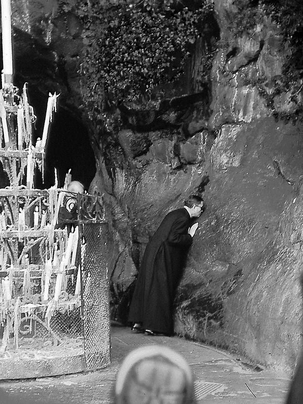 san Josemaría Escrivá Lourdes (Francia)   Flickr - Photo Sharing!