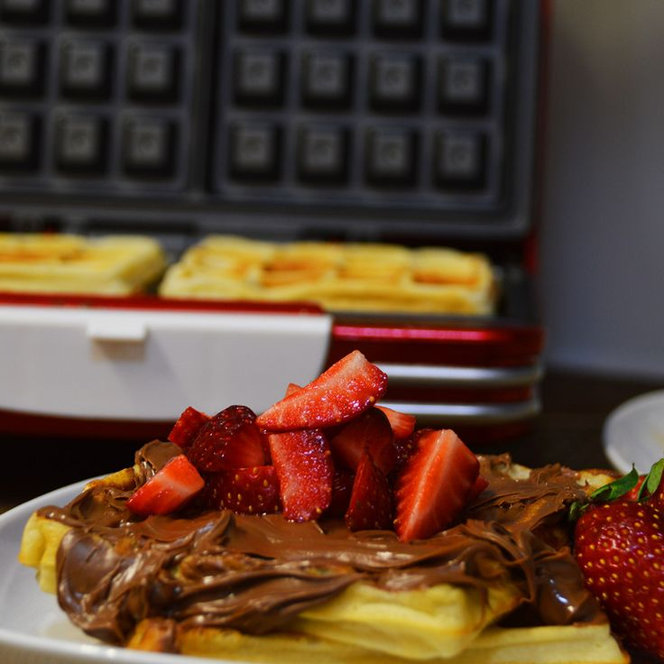 Ariete Party Time Waffle Maker 187. Review by Revyou.gr