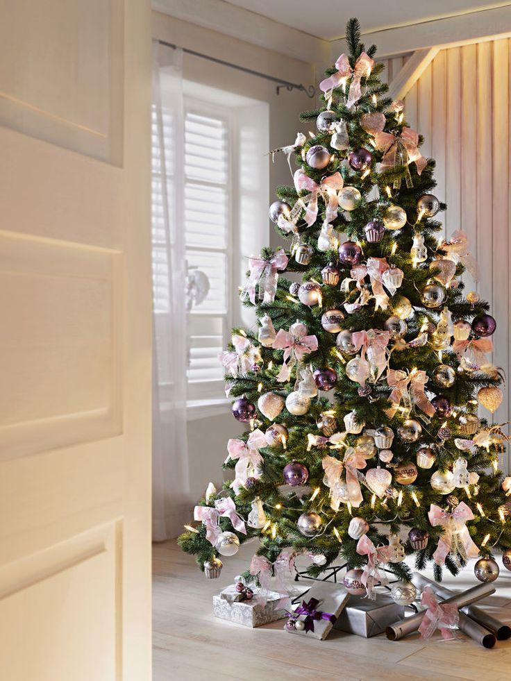 http://www.idees-cadeaux-fetes-by-helline.fr/fetes-a-moi/decoration-de-noel-chic-tendance