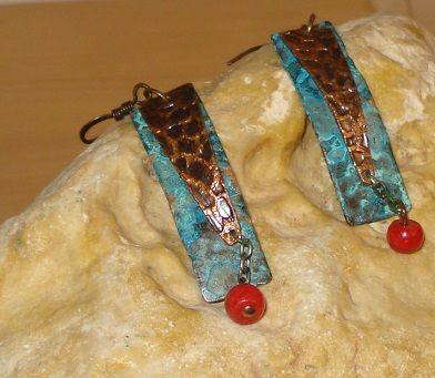 Two layersper earrings - Blue patina - Etched - Red coral