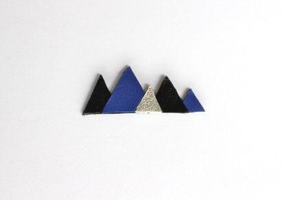 Broche géométrique Triangles cuir - Bleu, argent & noir