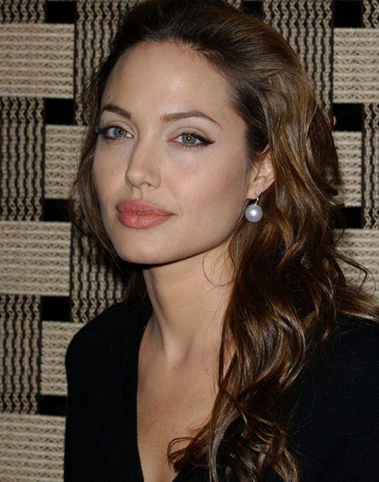 Angelina Jolie wearing Pearl earrings