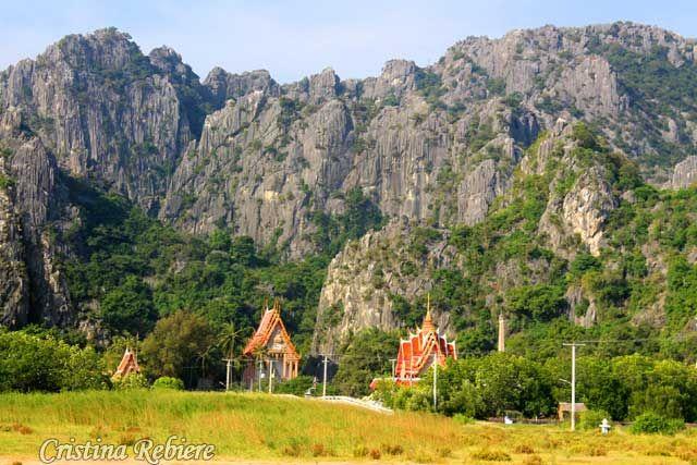 """Khao Sam Roi Yot National Park Le nouvel """"e-guide de rêve: Thaïlande Sud"""" sur votre tablette ou smartphone! Nous vous invitons à découvrir ce pays magnifique : belles plages, un peuple chaleureux, une gastronomie raffinée et de superbes paysages… http://www.amazon.fr/dp/B00SX3OAE8"""