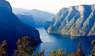 Destinations Norway: Norwegian Fjords & Coast, Northern Lights