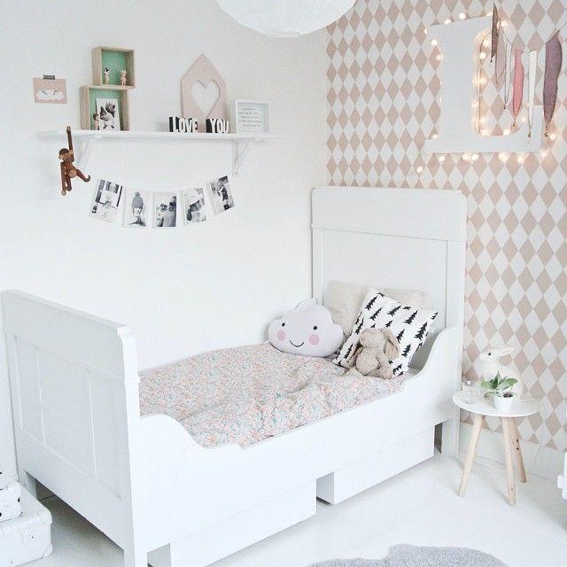 1519 best habitaciones infantiles y dormitorios para ni os for Papel pintado habitacion matrimonio