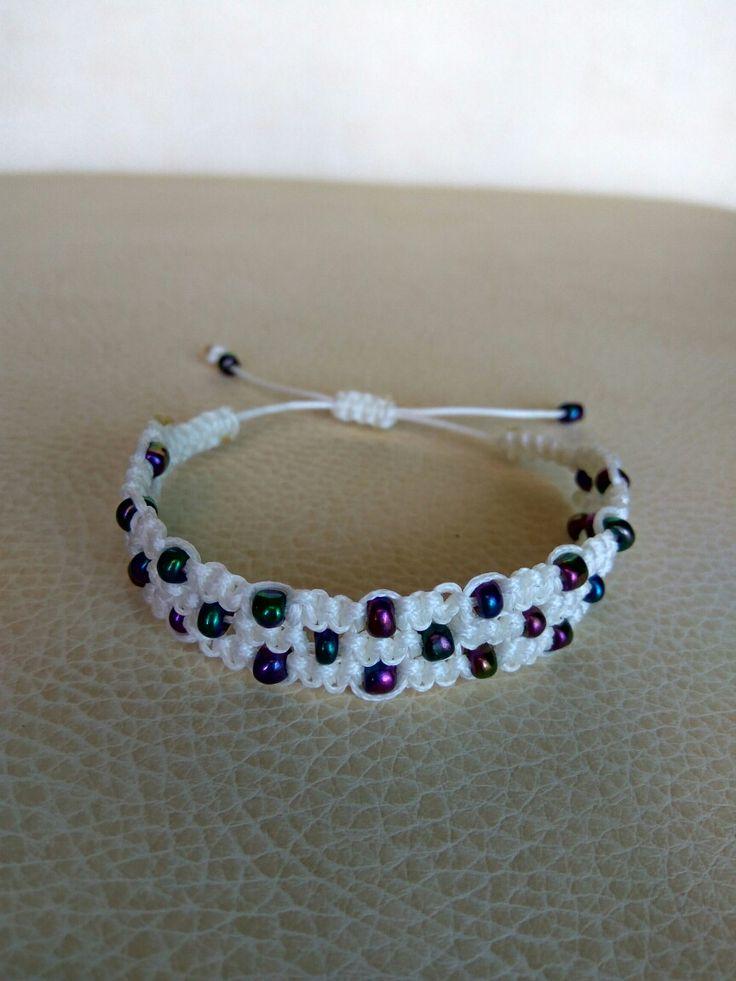 White triple macrame bracelet