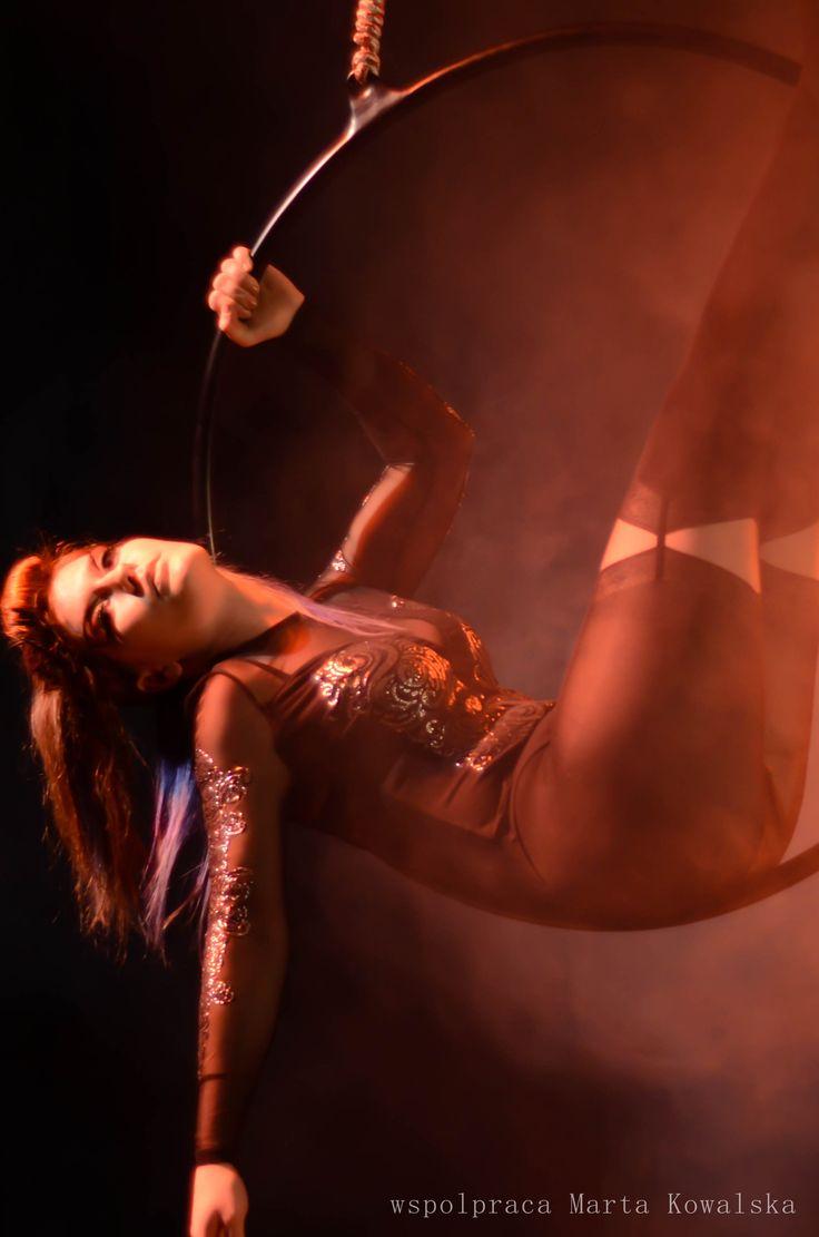 Aerial hoop. Fot. Marta Kowalska WHEELove  #circus #aerialhoop #polish #art #circus #wheelove