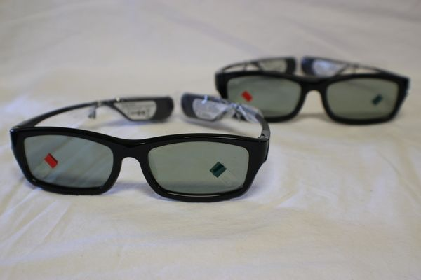 Samsung Rechargeable 3D Glasses (2 Pairs) for Samsung 3D TVs