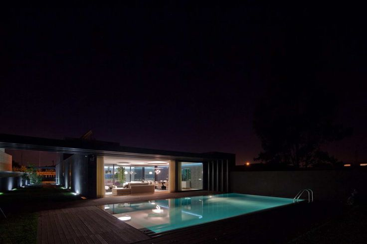 photo: house/residence of talented 25 million earning São Martinho do Porto, Portugal-resident