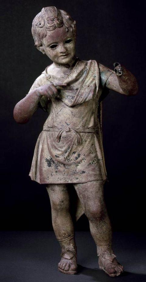 4. Statue de l'enfant royal- ier siècle av. - ier siècle ap. J.-C., H. 75,3 cm, musée de l'Éphèbe