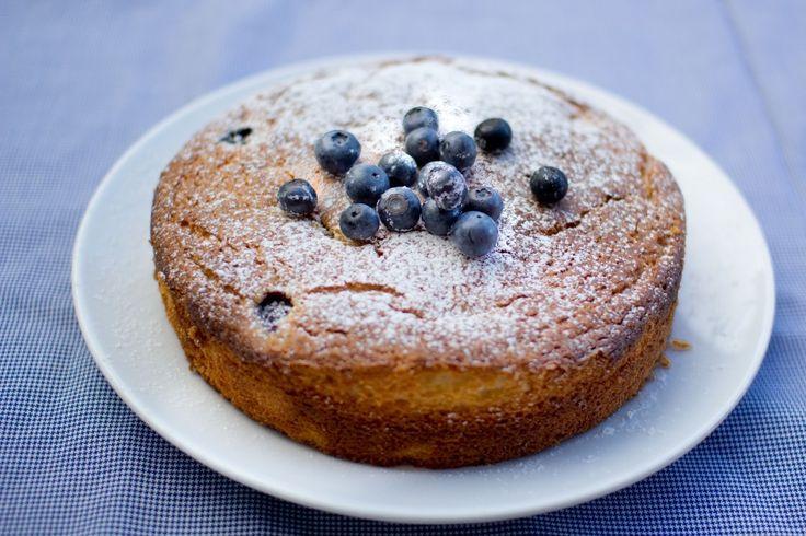 lemon and blueberry cake