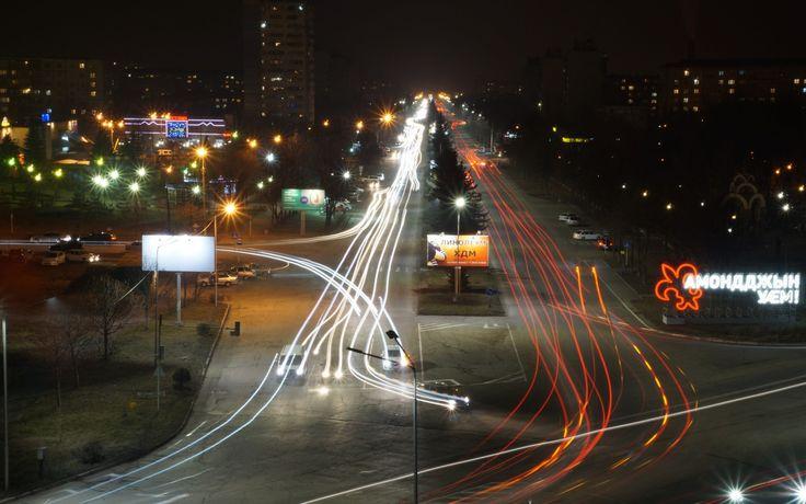 Скачать обои ночной город, владикавказ ночью, раздел город в разрешении 1280x800