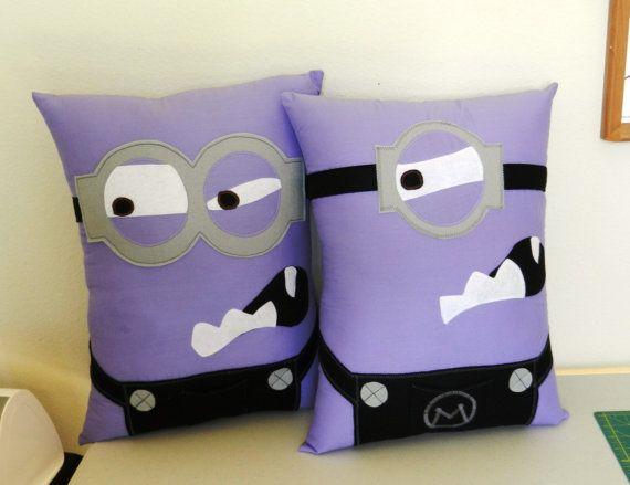 Purple Minion Pillows FREE personalization por MaggieElizDesigns, $35.00
