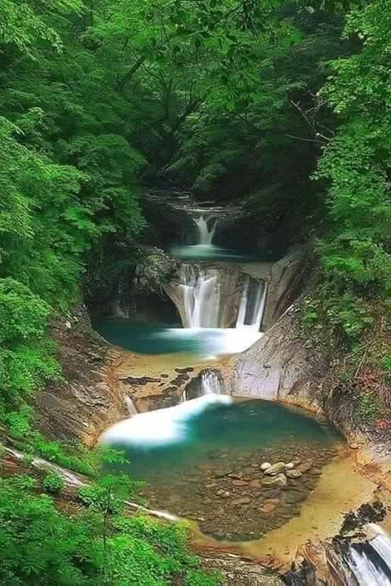 Cascada en Departamento de Caqueta, Colombia