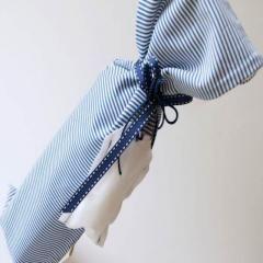 Anche il #Battesimo è l'occasine giusta per regalare una #bomboniera di #vino! #donodivino #bottiglia singola #confezione sacchetto #blu #bianco #fiocco #baby @CastleOfAngels