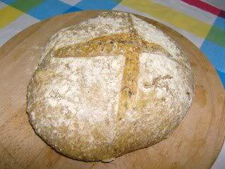 Chocolate e Caju: Pão de farelo de trigo e sementes de alfafa