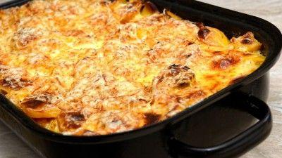 Mămăligă coaptă cu bunătăţ i | Retete culinare - Romanesti si din Bucataria internationala