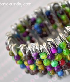 Fun summer craft for kids - - safety pin bead bracelet - with a great tutorial!