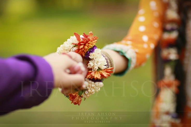 Jewelry made of fresh flowers for mayon/mehndi.. love!!