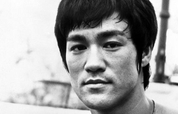 """Bruce Lee in arrampicata libera eri pensavo a Bruce Lee. Nell´arrampicata libera e nell´alpinismo chi scala una parete, una montagna mai scalata prima da nessun altro è definito """"colui che apre una via"""". L´impavido in questione è una sorta di iniziatore sia in che fuor di metafora: simbolicamente, infatti, apre una via perché fino a quel momento nessuno l´aveva mai fatta. Letteralmente, invece,.. Continua su http://www.kungfulife.net/blog/bruce-lee-in-arrampicata-libera/"""