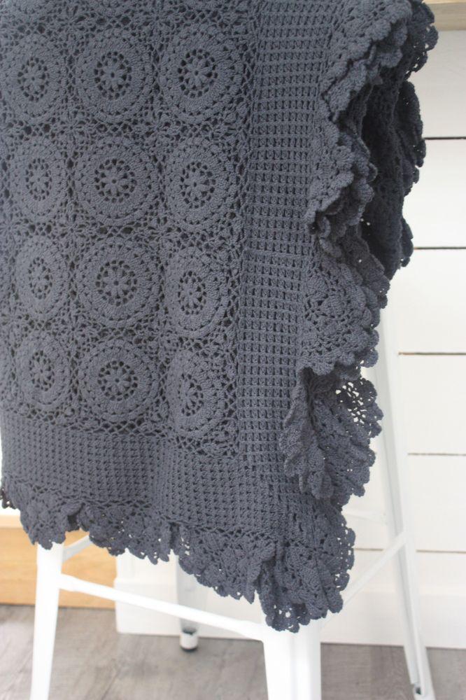17 meilleures id es propos de couvre lit en crochet sur pinterest carr granny au crochet. Black Bedroom Furniture Sets. Home Design Ideas