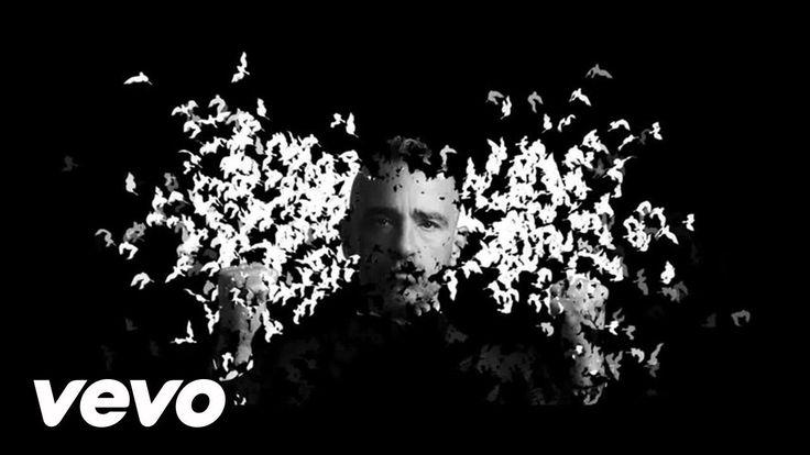 Eros Ramazzotti - Il Viaggio (Live in Amsterdam, Perfetto Tour 2015/2016) http://lyricstranslate.com/en/il-viaggio-trip.html