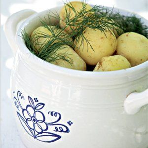 Fresh new potatoes for midsummer. Served in this traditional vintage Arabia dish. #Finland #Food #Celebration