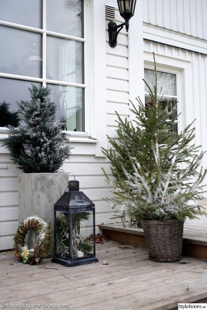 gran,krans,lykta,rotting,veranda,jul,advent,new england