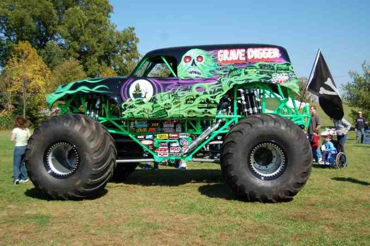 Cool Paint Jobs On Trucks The Grave Digger Monster Truck