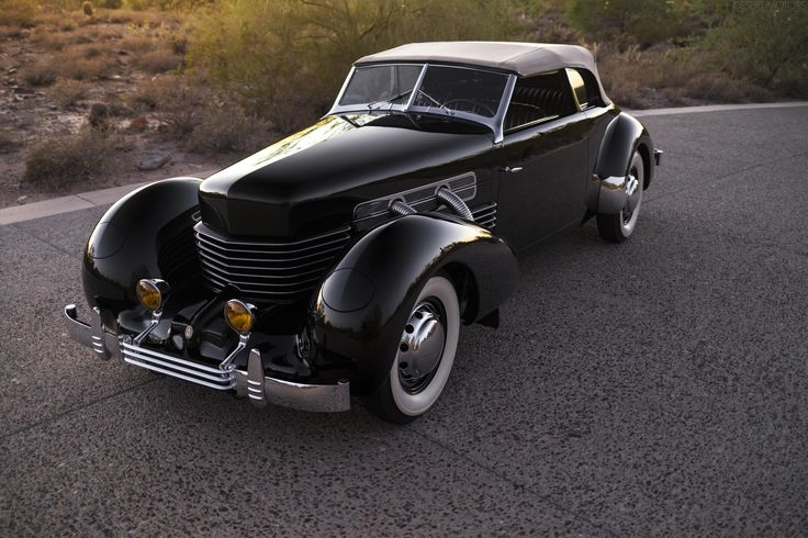 That coffin nose. 1937 Cord 812 Supercharged Phaeton [OC] [3840x2559] - see http://www.classybro.com/ for more!