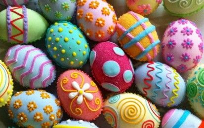 Idee per decorare le uova di Pasqua con i bambini [FOTO] - Tante idee originali e divertenti, creative e speciali per decorare con l'aiuto dei bambini le uova di Pasqua, per realizzare piccoli e grandi capolavori, lavoretti unici per le festività.