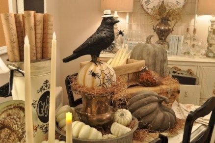 Nice 33 Cozy Rustic Halloween Decoration Ideas. More at http://trendecor.co/2017/11/11/33-cozy-rustic-halloween-decoration-ideas/