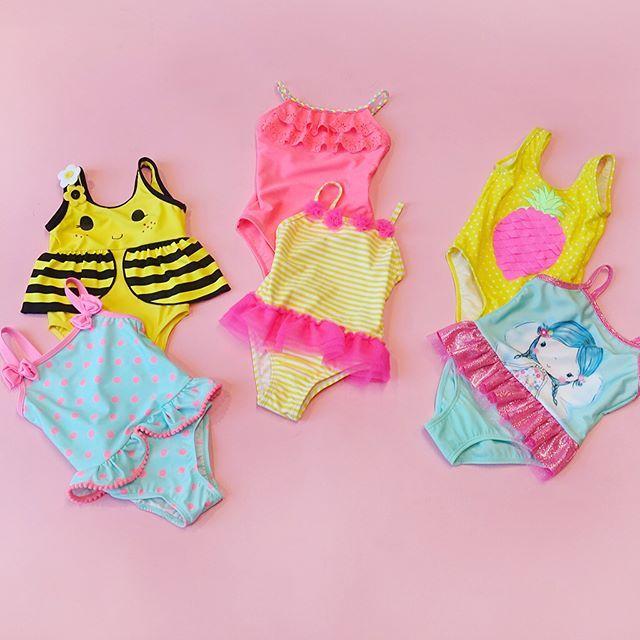 WEBSTA @ lcwaikiki - Dünyanın en tatlı tatilcisinin mayoları hazır!Swimsuits for the world's cutest vacationers! 19,95 TL' den başlayan fiyatlarla🔎7Y2796🔎7Y4332🔎7Y2802🔎7Y2779 #lcwaikiki #girl #swimsuit