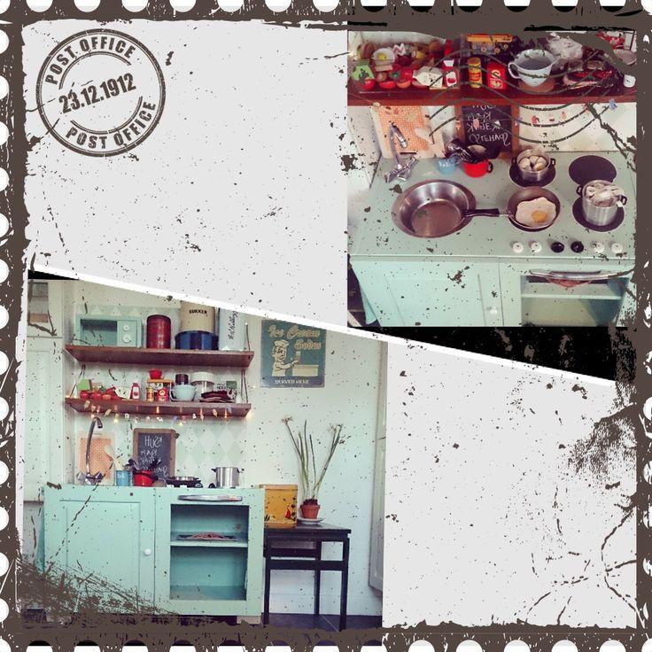 Lånt billede - smukt hjemmelavet køkken til de smukke børn