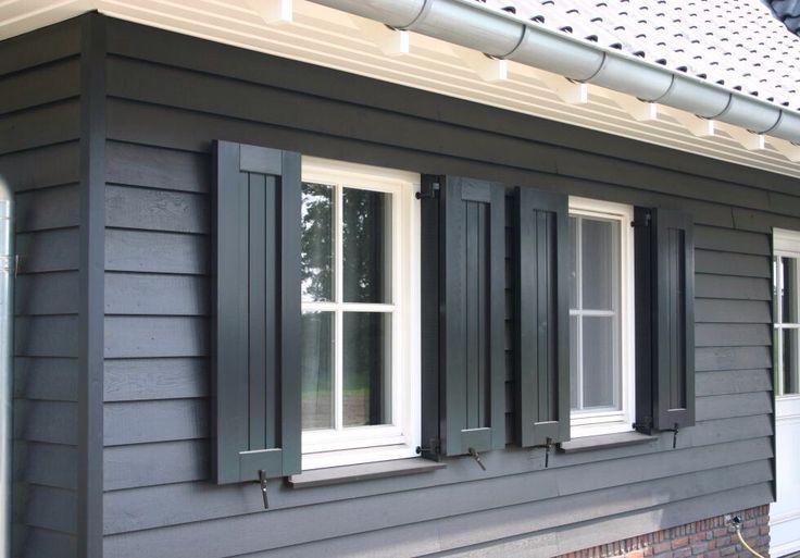 25 beste idee n over zwarte luiken op pinterest huis exterieur kleuren buitenverf kleuren en - Exterieur kleur eigentijds huis ...