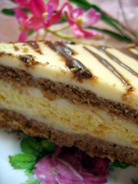 Zeytinağacı: Bisküvi + Krema= Pasta