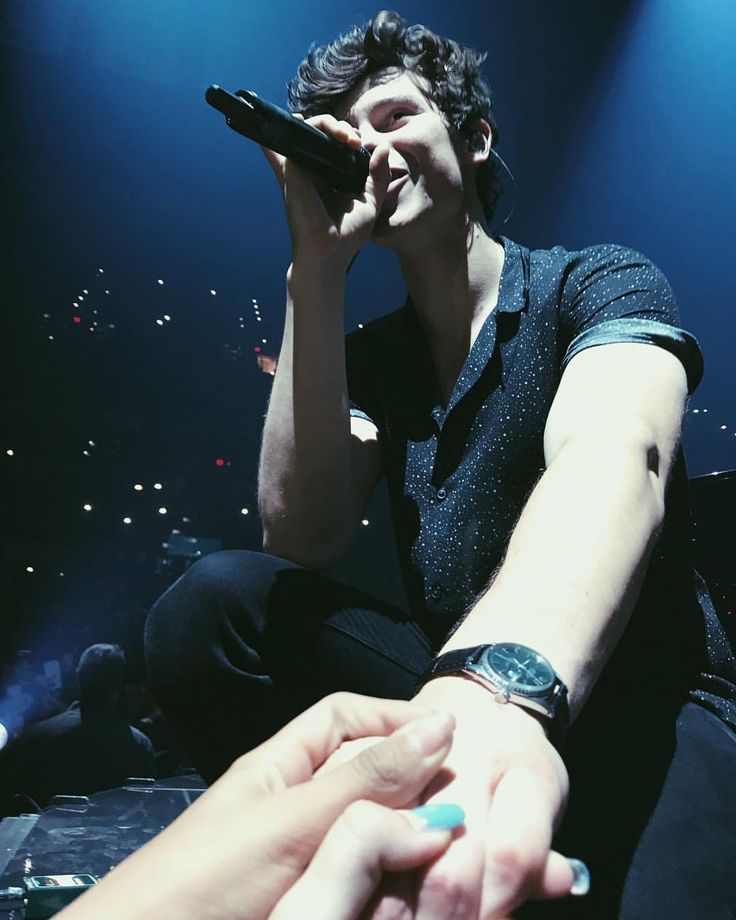 "4,147 Likes, 14 Comments - Shawn Mendes Updates (@shawnmendesupdates1) on Instagram: ""July 21: photo of @shawnmendes performing onstage in San Antonio"""
