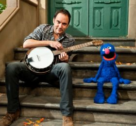 I LOVE THIS! Dave Matthews and Grover Sing About Feelings